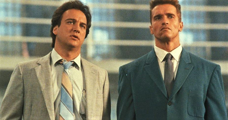 """Danko: il corso di russo di Schwarzenegger, la versione originale di """"Danko nato stanco"""" e la triste morte sul set"""