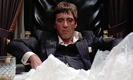 """Scarface, la coca finta sul set, Pacino: """"Il mio naso cambiò dopo il film, non so cosa ci fosse dentro"""""""