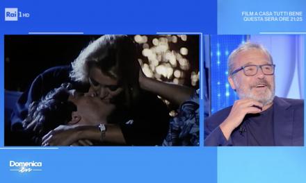 """Professione Vacanze, Mara Venier e Claudia Amendola ricordano il bacio: """"Ero sposata con Jerry…e io ero single"""""""