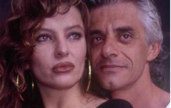 """""""Domenica Live"""", Franco Oppini contro Alba Parietti: """"Lascia respirare nostro figlio"""""""