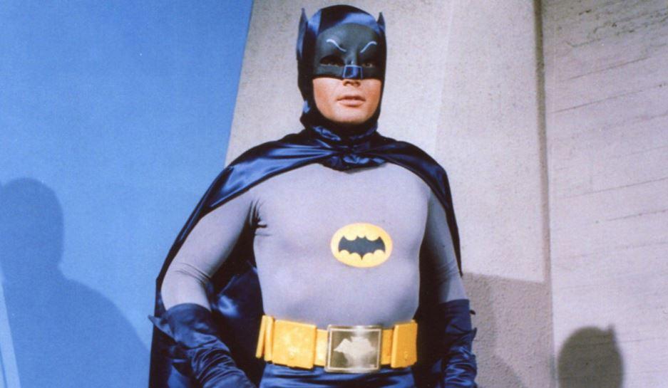 Batman, Adam West omaggiato dai fan in quello che sarebbe stato il giorno del suo 92° compleanno