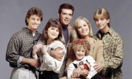 Genitori in Blue Jeans: il cast riunito per il 35° anniversario ricorda Alan Thicke