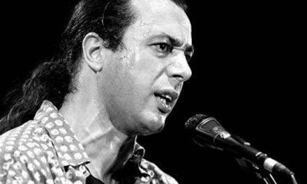 Federico Salvatore, il successo con «Azz…», la censura, le canzoni di denuncia al ritorno