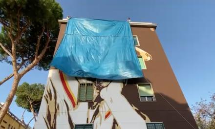 Gigi Proietti: completata l'opera di 15 metri al Tufello, il suo quartiere