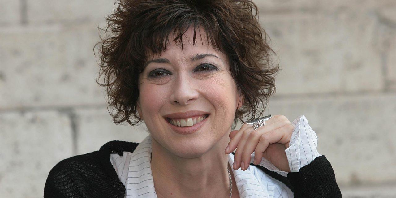 """Veronica Pivetti: """"Le donne? Libere di parlare e sempre pronte ad ascoltare"""""""
