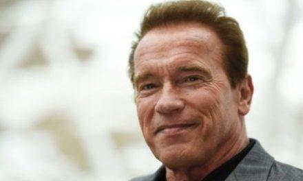 """Arnold Schwarzenegger torna a casa dopo l'operazione: """"Mi sento bene"""""""