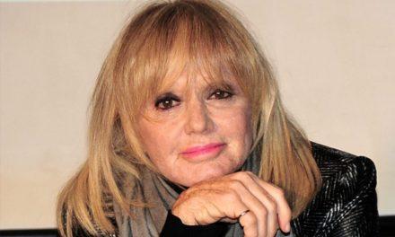 """Rita Pavone si racconta: """"So di non essere mai stata bella, di non avere avuto le curve. Ma sono orgogliosa del mio talento"""""""
