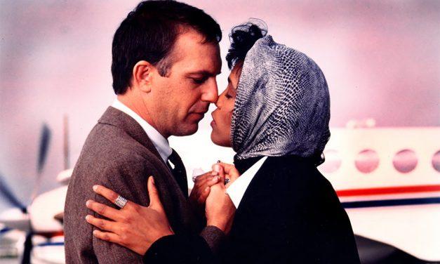"""The Bodyguard: l'aborto di Whitney Houston e """"I Will always love you"""" non doveva esserci nel film"""