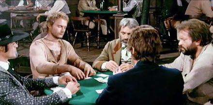 Continuavano a chiamarlo Trinità…le mani di Terence Hill nella scena del poker non erano le sue