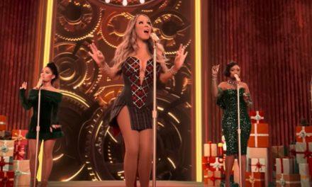 """Mariah Carey presenta il suo nuovo singolo di Natale """"Oh Santa!"""" con Jennifer Hudson e Ariana Grande"""