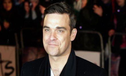 Robbie Williams, 25 anni dopo i Take That formerà una nuova band