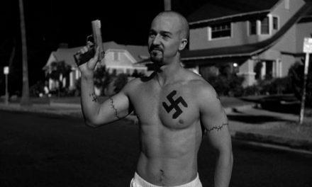 American History X: l'allenamento di Norton criticato da Schwarzenegger e l'incidente con il finto tatuaggio