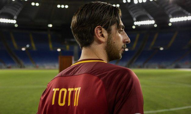 """""""Speravo de morì prima"""": la serie su Francesco Totti da Marzo su Sky e Now TV"""