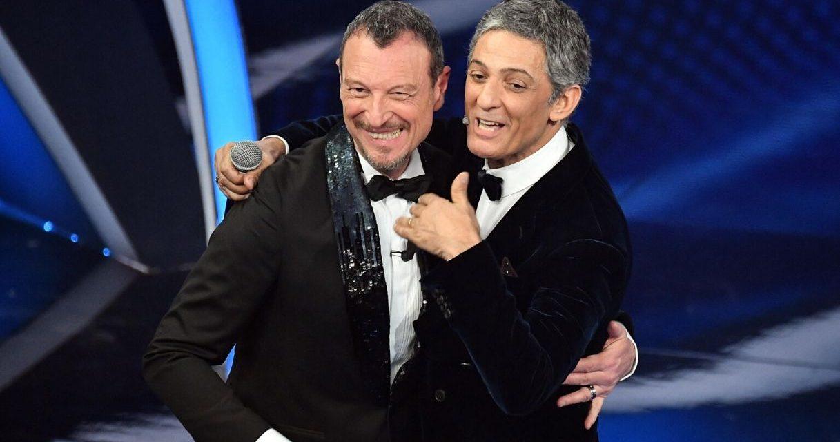 """Sanremo, Fiorello scherza con Amadeus: """"E' un pazzo e io che lo seguo, mi porterà alla rovina"""""""