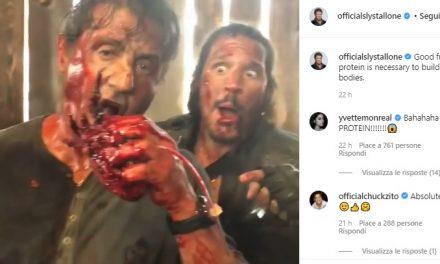 """Sylvester Stallone e il video del backstage di Rambo V in cui si """"mangia"""" un cuore"""