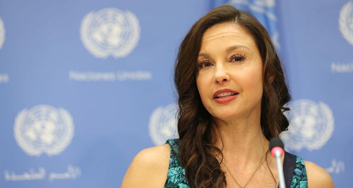 """Ashley Judd: """"Senza i miei fratelli e sorelle congolesi, la mia emorragia interna mi avrebbe probabilmente ucciso"""""""
