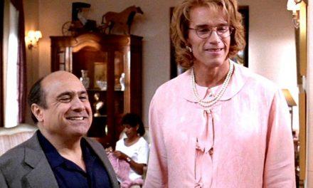 Junior: Arnold Schwarzenegger girò il film con uno stomaco finto di 12 chili e studiò i comportamenti delle donne incinte