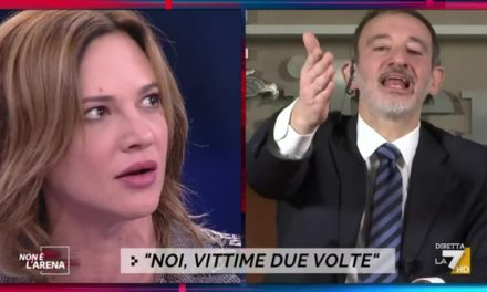 """Asia Argento contro il direttore di Libero: """"Stai zitto! Ti infilo il tacco in bocca come in un film di Dario Argento"""""""