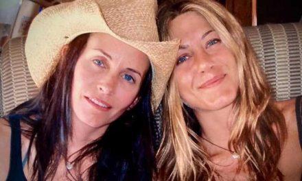 Jennifer Aniston, gli auguri speciali di Courteney Cox per il compleanno dell'amica