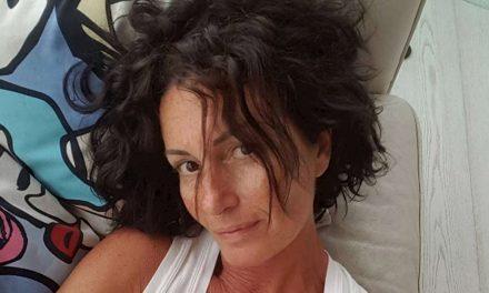 """Cristina Plevani fa la commessa: """"Non mi sono mai sentita un'artista"""""""