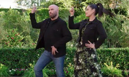 """John Travolta balla """"Grease"""" con la figlia nello spot del Super Bowl"""