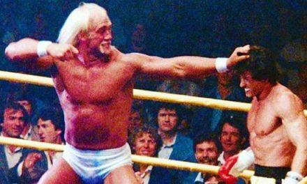 """Rocky 3, Stallone: """"Hogan pesava 140 kg quando l'ho sollevato, i suoi pugni diretti erano i migliori, un grande atleta"""""""