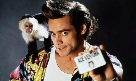 Ace Ventura: la camminata di Jim Carrey ispirata a un uccello e l'assegno fatto a se stesso 10 anni prima
