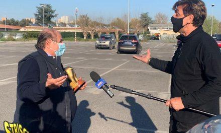 """Striscia la Notizia: Tapiro d'oro a Giancarlo Magalli: Salvo Sottile al suo posto ai """"Fatti Vostri""""?"""