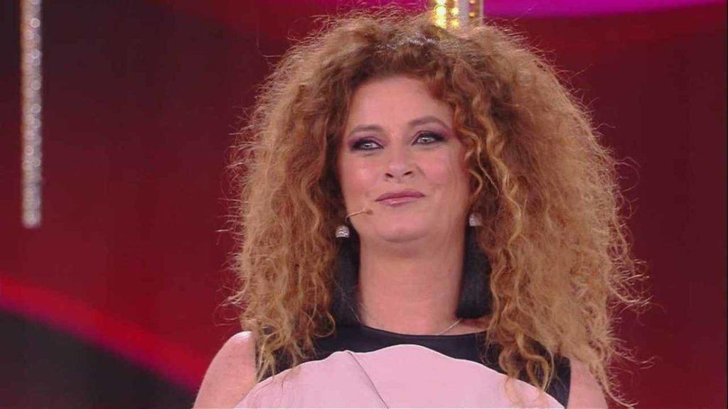 """Valentina Persia e la depressione: """"Sono arrivata al punto di graffiarmi a sangue la faccia"""""""