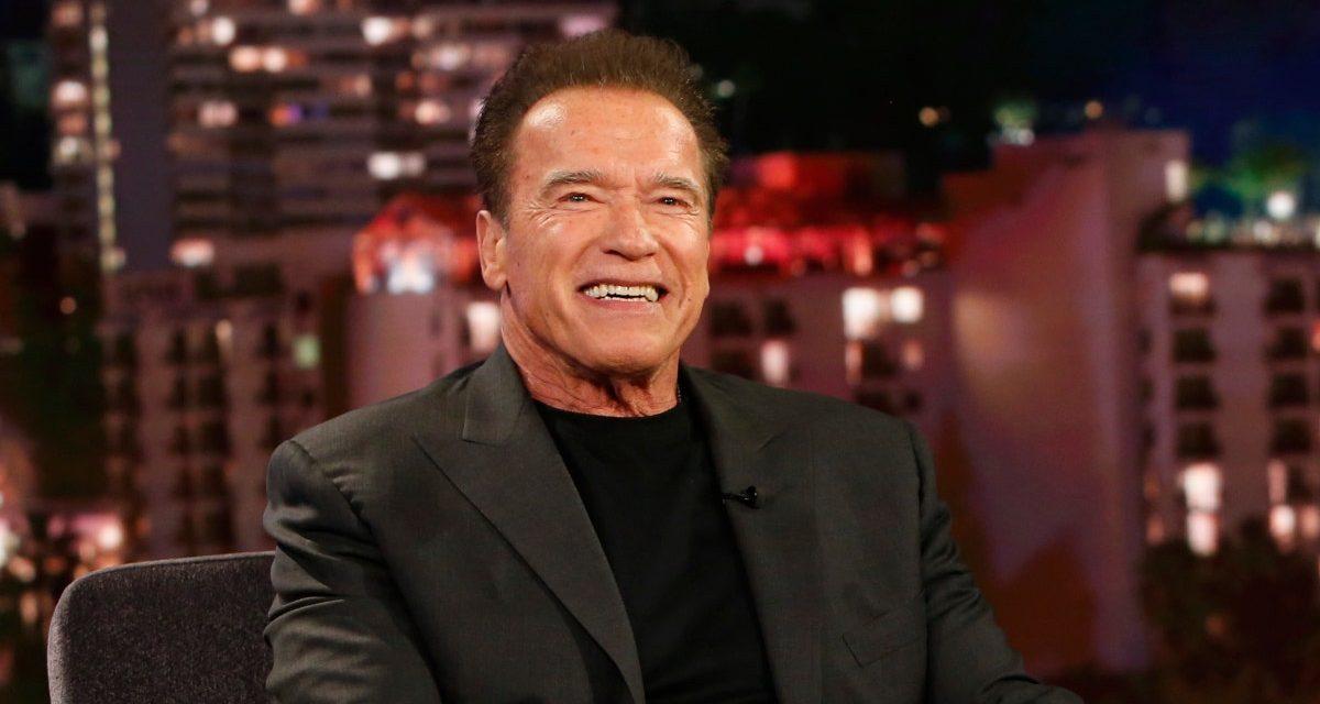 """Arnold Schwarzenegger sulla foto di Will Smith in mutande: """"Will povero bambino, piango per te"""""""