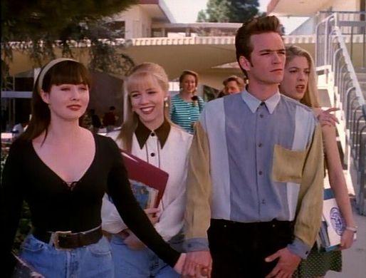 """Beverly Hills 90210, Jennie Garth rivede la serie e sul triangolo amoroso tra Brenda, Dylan e Kelly rivela: """"Sono nervosa"""""""