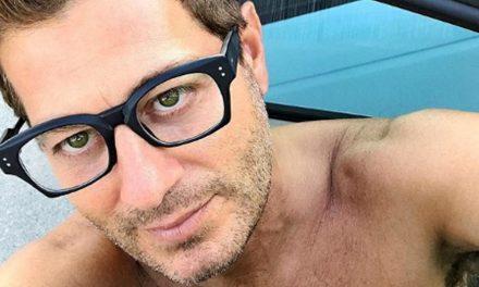 """Enrico Papi torna a Mediaset e rivela: """"Ho ricevuto bullismo da colleghi potenti. Quando possono non rinunciano mai alle scorrettezze"""""""