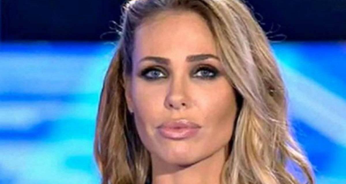 """Ilary Blasi: """"Per i detrattori o lavoro perché sono la moglie di Totti o perché sono amica di Silvia Toffanin"""""""