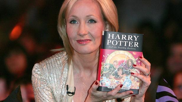"""Harry Potter, J.K. Rowling: """"Per paura del mio ex non ho usato il mio nome completo"""""""