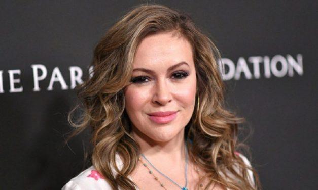 Arrestata Alyssa Milano: l'attrice di Streghe stava protestando alla Casa Bianca per il diritto al voto